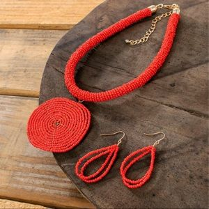 RED BEADED CIRCLE PENDANT NECKLACE